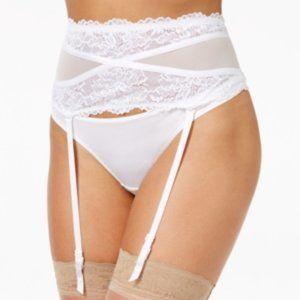 🛍3/$30🛍Maidenform Super Sexy Lace Garter Belt